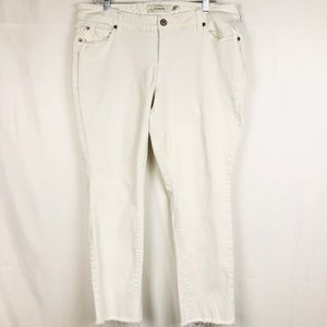 Torrid Boyfriend White Raw Hem Denim Jeans 16